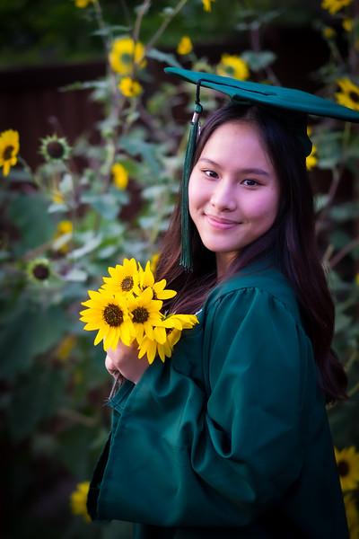 20200521_sarah-friends-connally-graduation_087.jpg