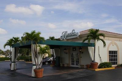 Brooks Restaurant Scenes