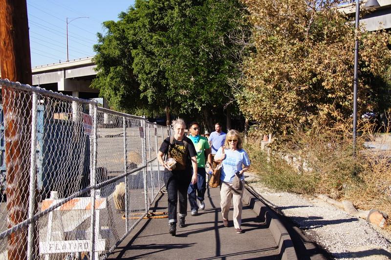2014-11-07_IMLab-Walk_MakingLA_deLab_02.JPG