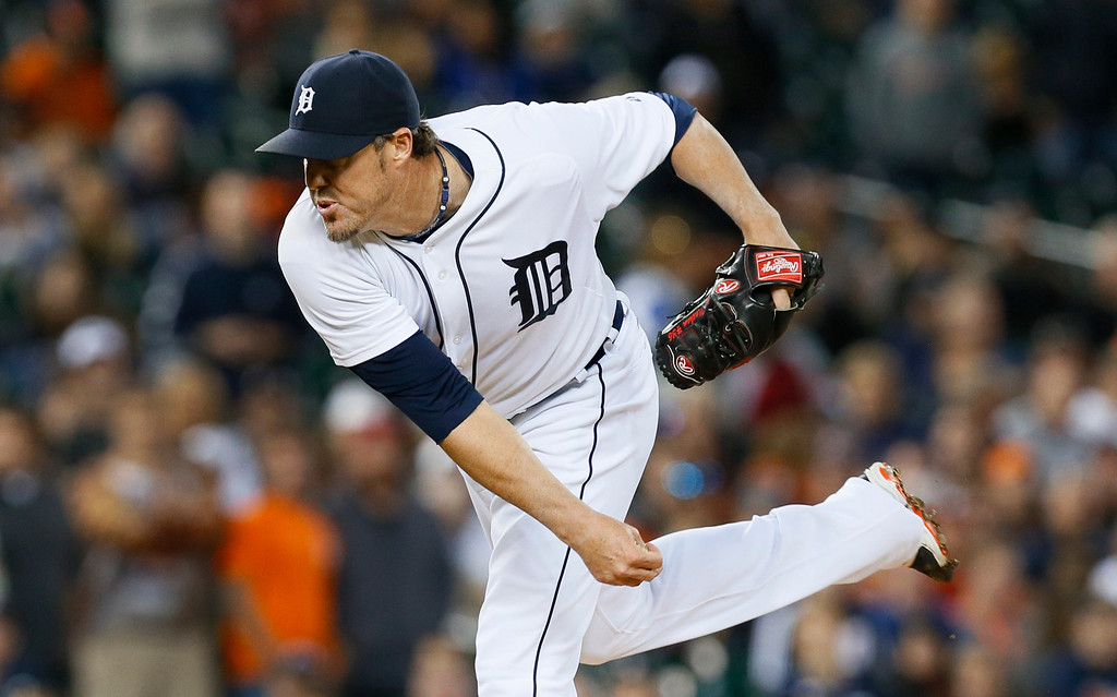 . Detroit Tigers relief pitcher Joe Nathan throws against the Chicago White Sox in the ninth inning of a baseball game in Detroit Tuesday, Sept. 23, 2014. (AP Photo/Paul Sancya)
