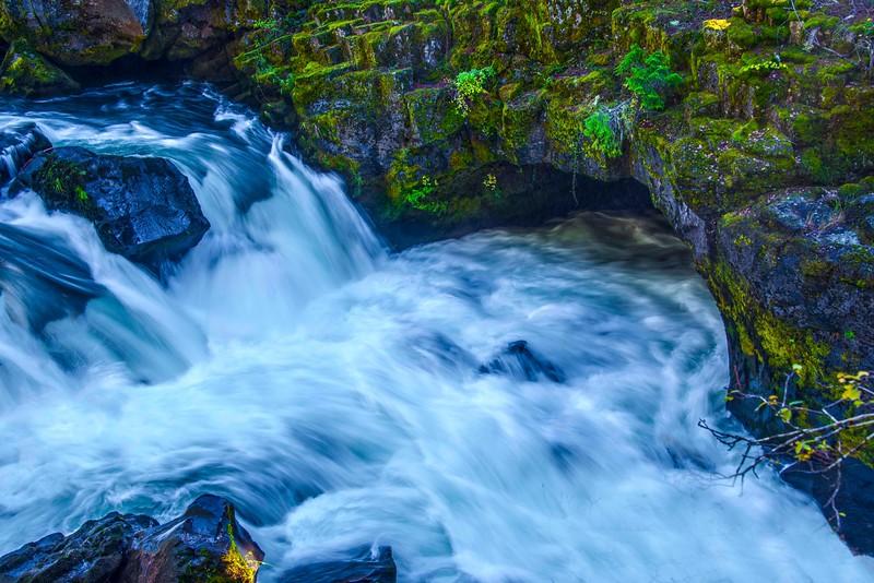 Rogue River Natural Bridge-1.jpg