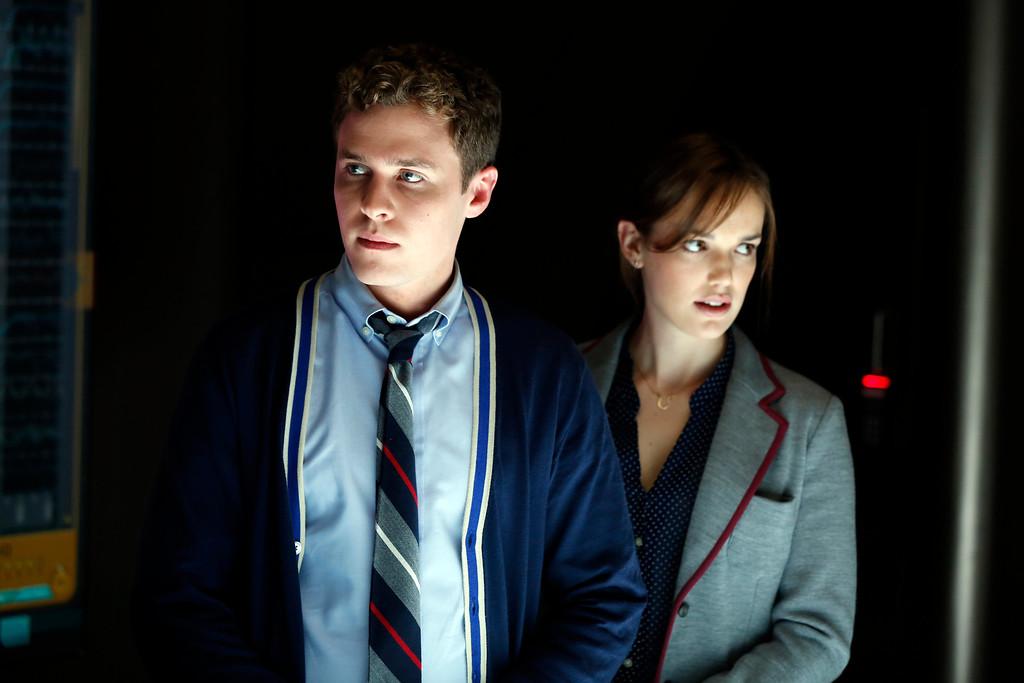 ". MARVEL\'S AGENTS OF S.H.I.E.L.D. - \""Pilot\"" (ABC/Justin Lubin) IAIN DE CAESTECKER, ELIZABETH HENSTRIDGE"