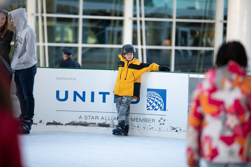 010220_IceSkating-071.jpg