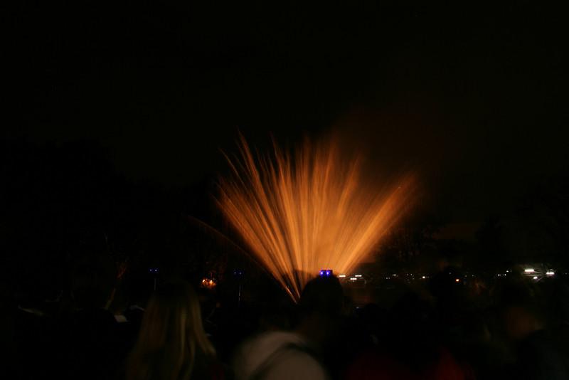 2007_1102putneyfireworks185_edited-1.JPG