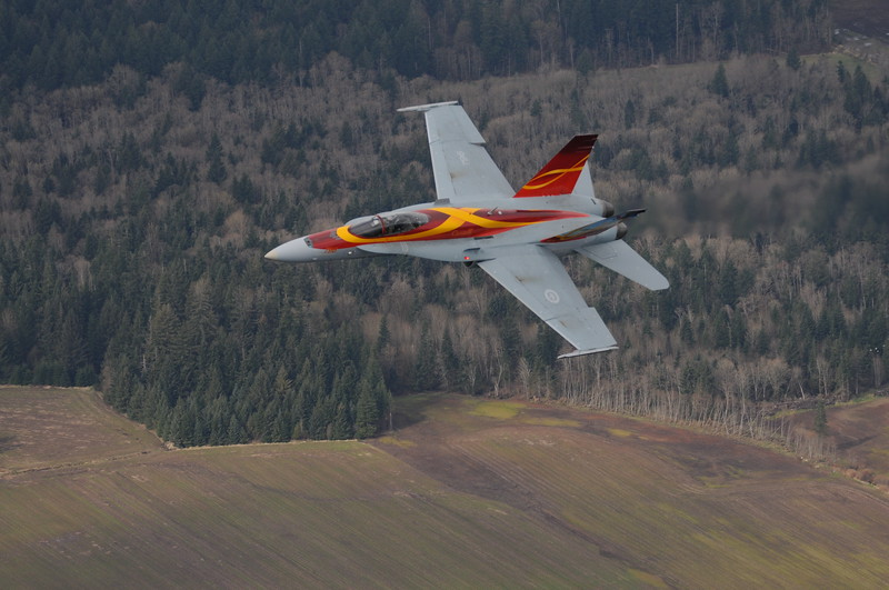 2011 CF-18 Demo April 14 2011 Comox - DEREK HEYES (8).JPG