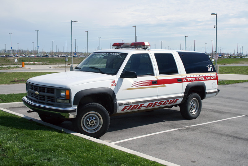 AIRPORT FIRE  CAR 904  CHEVY SUBURBAN.jpg