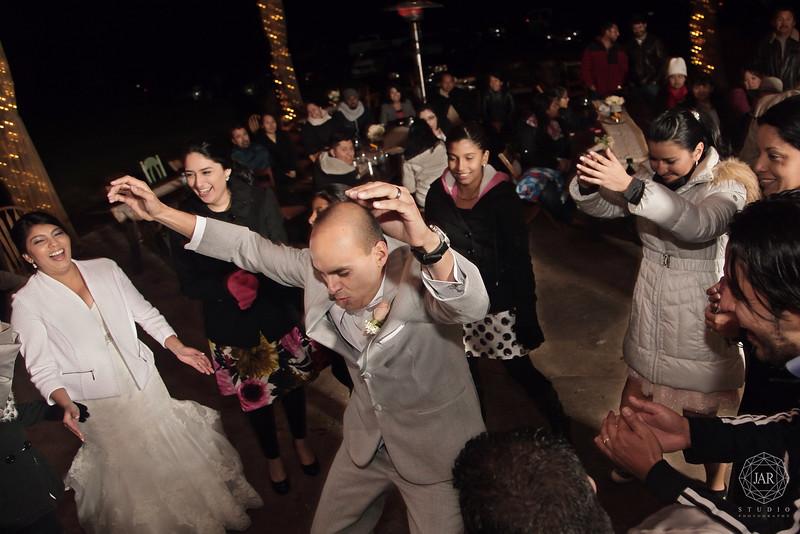 18-bride-groom-fun-dancing-isola-farms-jarstudio.jpg