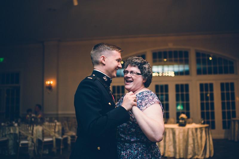 Philadelphia Wedding Photographer - Bernreuther-654.jpg