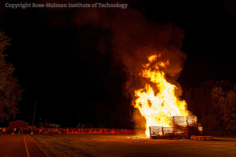 RHIT_Homecoming_2019_Bonfire-7445.jpg