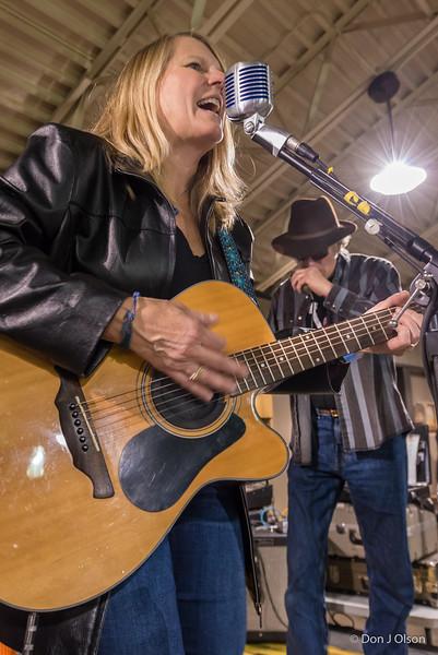 Julie Weisenhorn-The Abiders @ Tonka Brew Fest 3