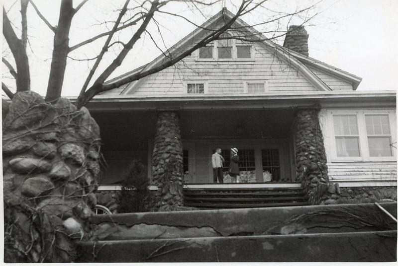 1952 John & Sue at Easter.jpg