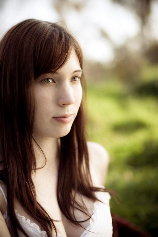 Sarah-lilred-AlexGardner-101010-03