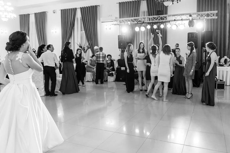 Roxi&Vasi-wedding-previews-58.jpg