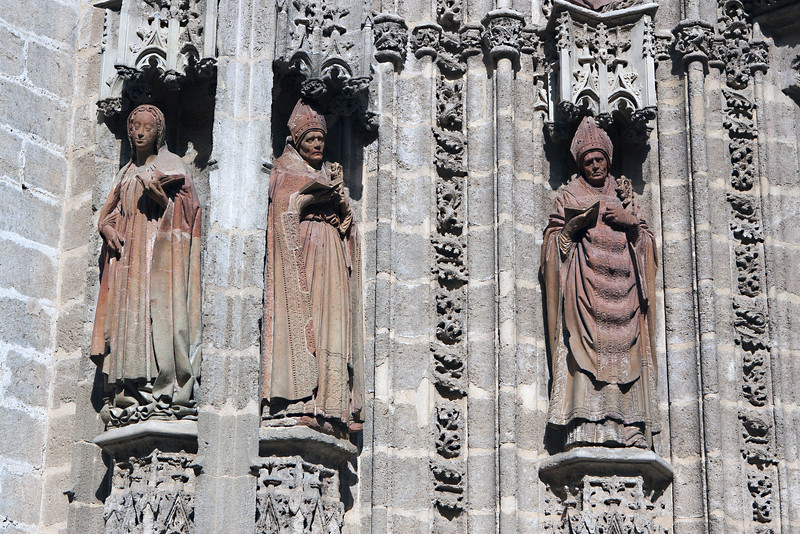 sevilla_cathedral_statues_1_oct_2010.jpg