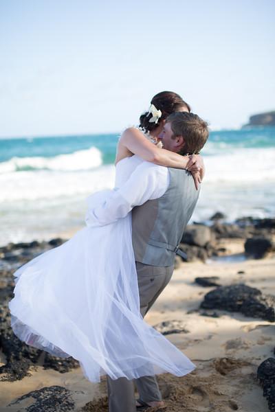 gillin beach kauai wedding-148.jpg