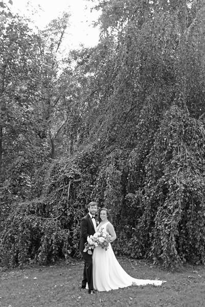 Bride and Groom_14 BW.jpg