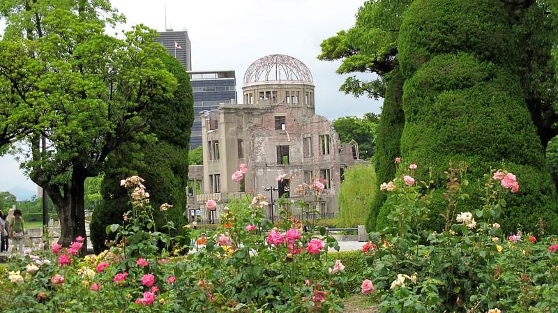 hiroshimapeacememorialpark-1771800393-o_16201556784_o.jpg