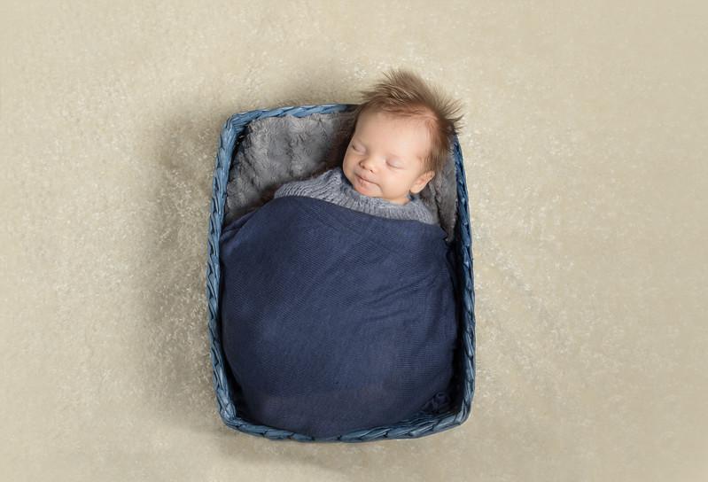 James newborn session-1.jpg