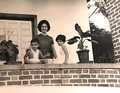 Cristina e filhos Ze e Silvia