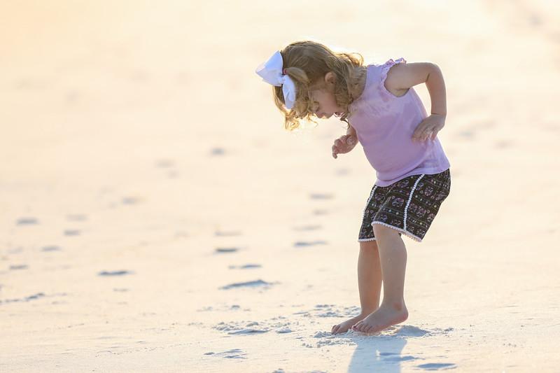 Harper at the beach-5.jpg
