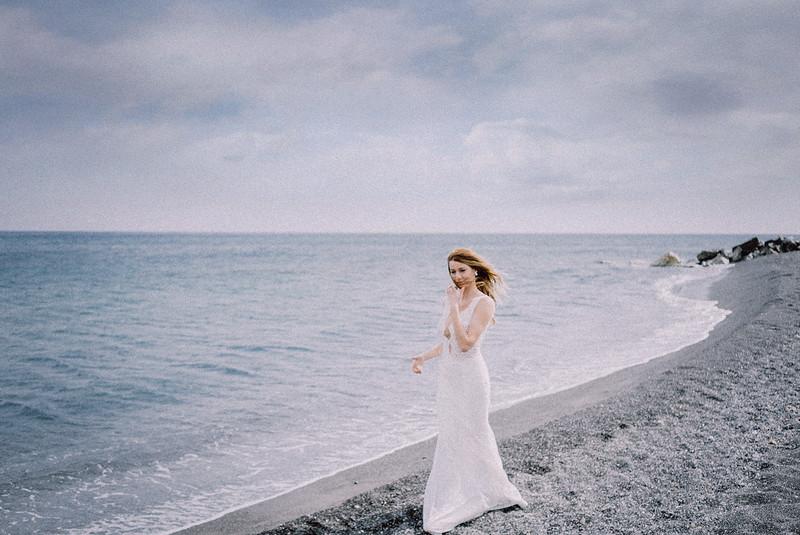 Tu-Nguyen-Wedding-Photography-Videography-Hochzeitsfotograaf-Engagement-Santorini-Oia-Greece-Thira-45.jpg