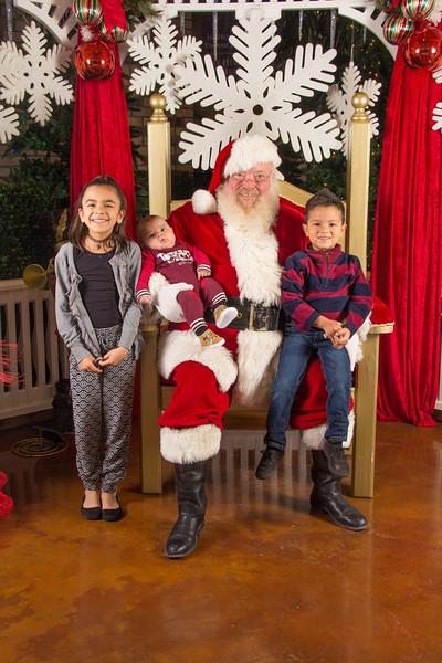 Santa 12-16-17-281.jpg