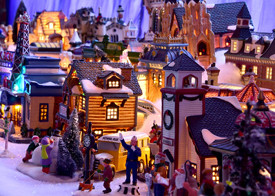 Adams Town Hall Holiday Village - 120318