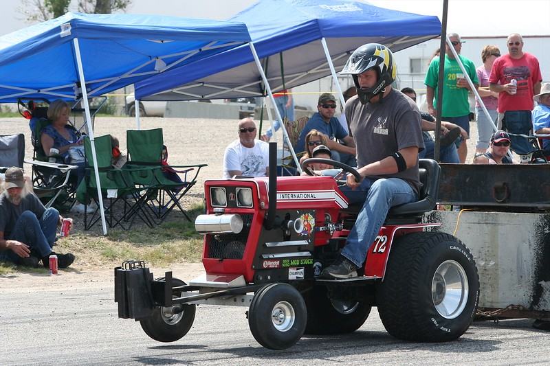 St. Paul Park tractor pull 2013 046.JPG