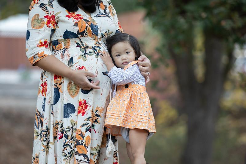 April Maternity Mini Session-20.jpg