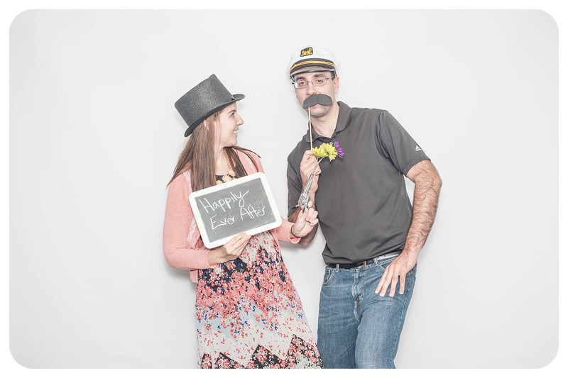 Laura+Ross-Wedding-Photobooth-011.jpg