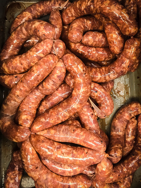 dons meat market making sausage 4-2.jpg