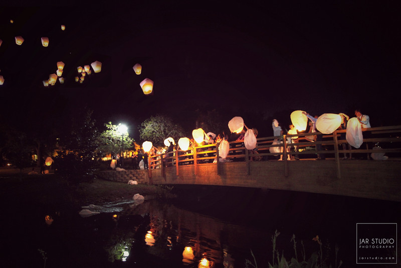 36-beautiful-lanterns-wedding-sendout-jarstudio-photography.JPG