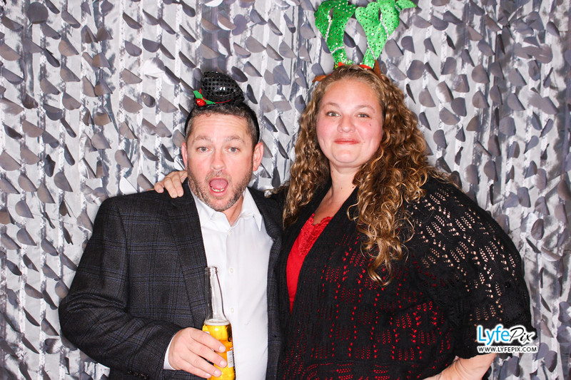 red-hawk-2017-holiday-party-beltsville-maryland-sheraton-photo-booth-0218.jpg