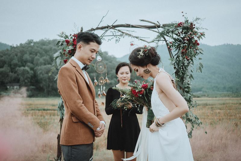 Tu-Nguyen-Destination-Wedding-Photography-Elopement-Vietnam-Pali-Louis-w-111.jpg