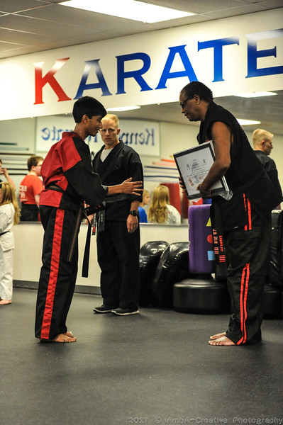 2017-11-01_AruAmogh_BlackBelt@KarateFitHockessinDE_34.JPG