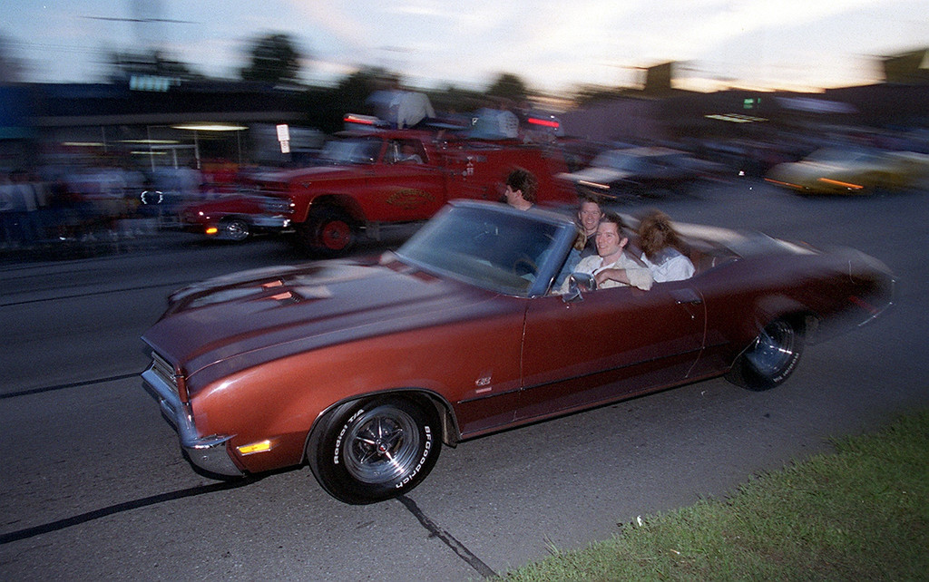 . Dream Cruisers drive drive along Woodward Avenue in Royal Oak Saturday night August 19, 2000.
