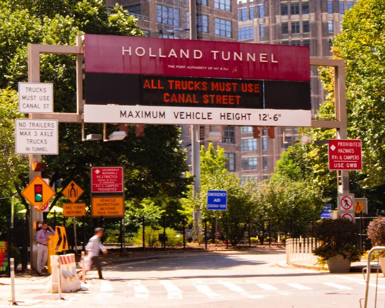 236 (9-4-19) Read before enteringHolland Tunnel-1.jpg