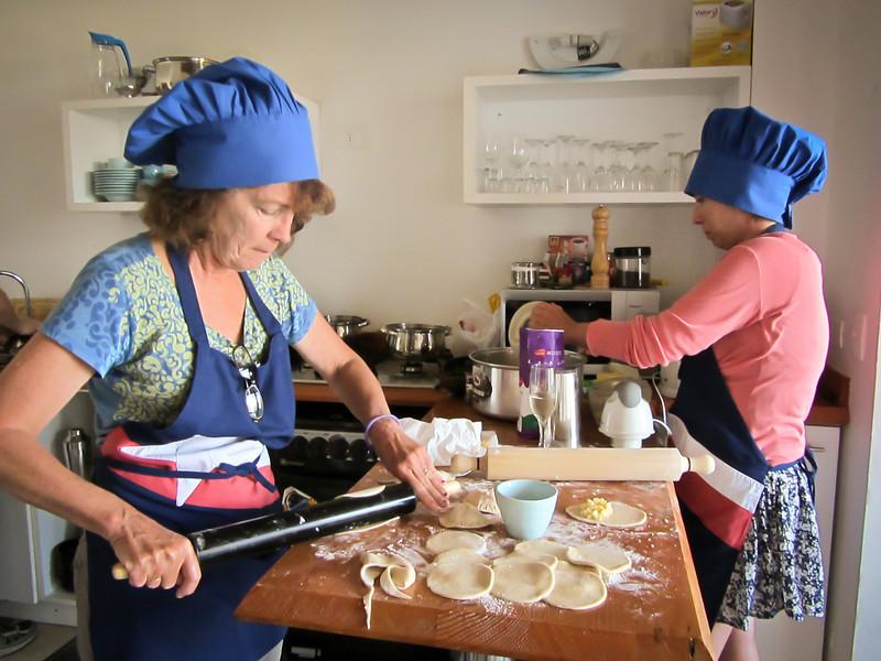 Valparaiso 201202 Cooking (20).jpg