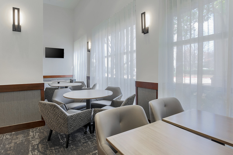 4-HP-DFWZD-seating-area_1322.jpg