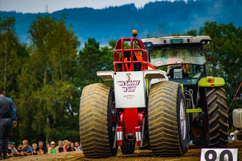 Tractor Pulling 2015-02451.jpg