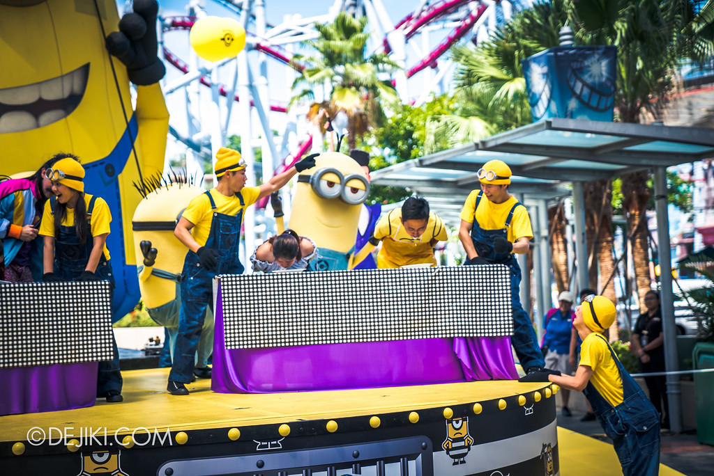 Despicable Me Breakout Party at Universal Studios Singapore / Rodney Rotten Banana Eating Competition 2