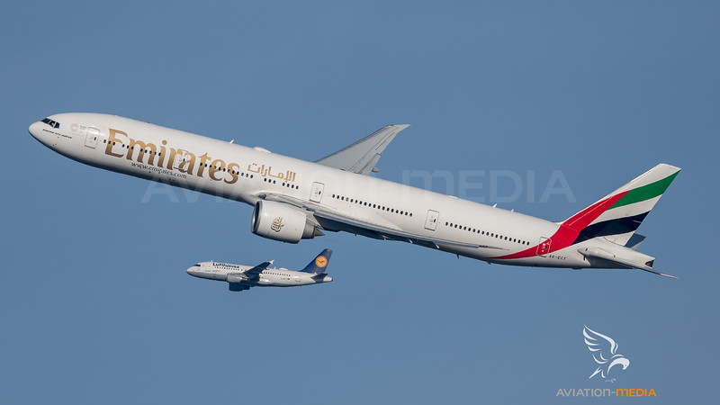 Emirates / Boeing B777-31H(ER) / A6-ECT