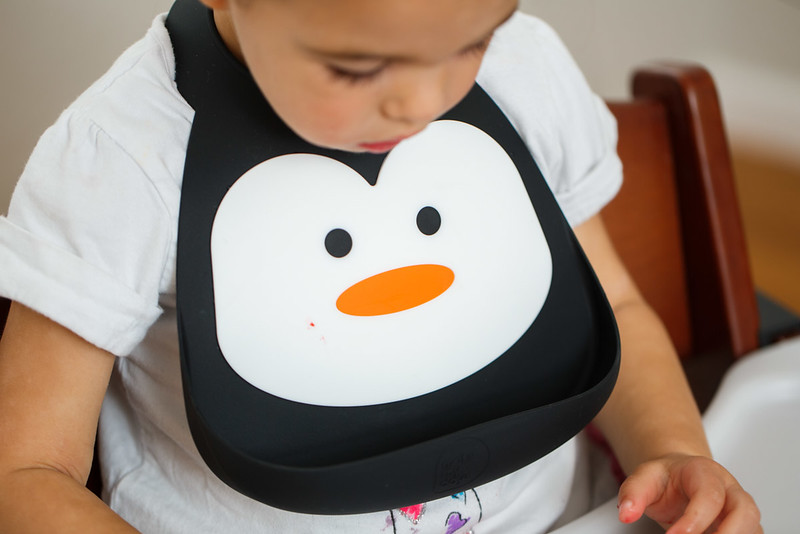 Make_My_Day_Bib_Penguin_lifestyle (89).JPG