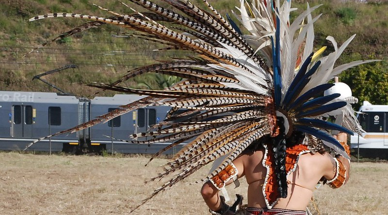 EarthDayLatino_AztecCeremony_2011--04-15_19.JPG