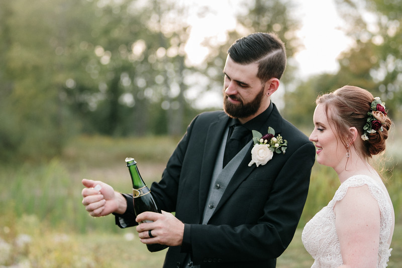 rustic_ohio__fall_barn_wedding-319.jpg