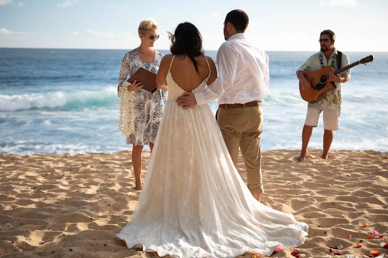 kauai wedding on shipwrecks-15.jpg