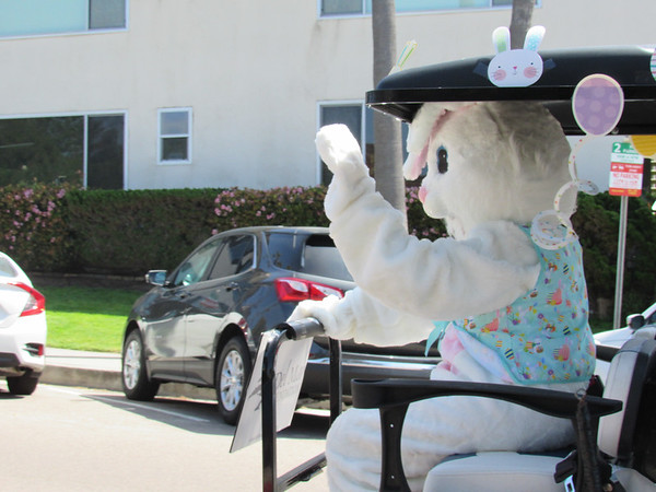 04-03-21: Easter Bunny Social Distancing Drive-By