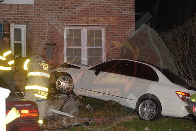 Freeport F.D. MVA w/ Car Into House 188 N. Columbus Ave. 3/19/16