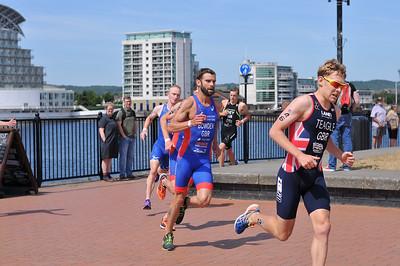 Cardiff Triathlon - Mens Run at Cardiff Bay
