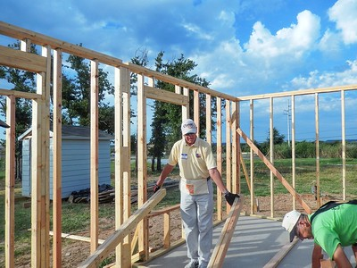 BRCC volunteers for Habitat For Humanity Build